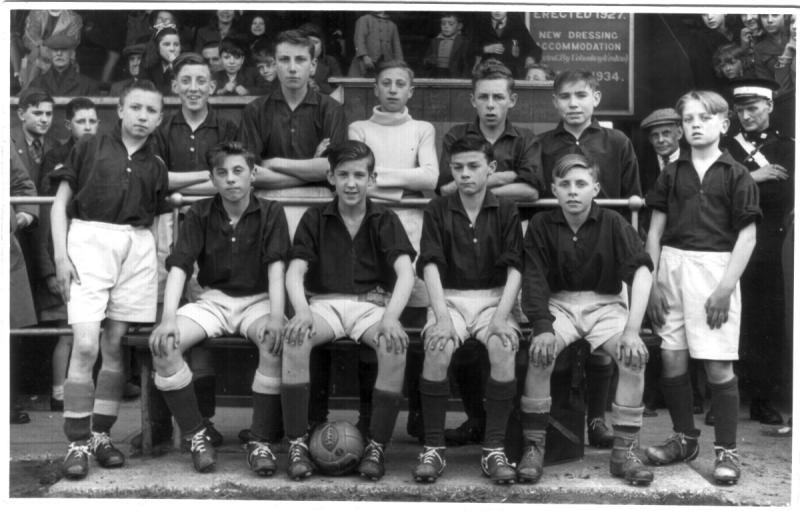 WeaverhamSchoolFootball1948.png